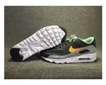 Nike Air Max 90 Ultra Essential Sneaker-Unisex