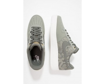 Nike Air Force 1 '07 Lv8 Schuhe Low NIKkpq8-Grün